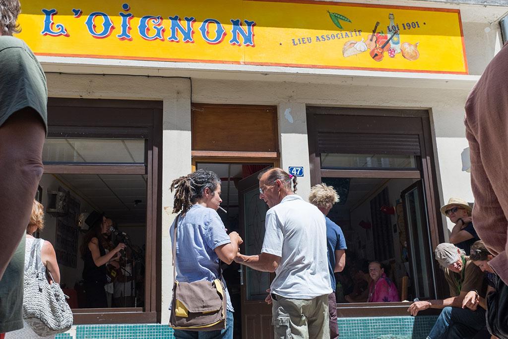 Café-concert associatif très actif dans le village.