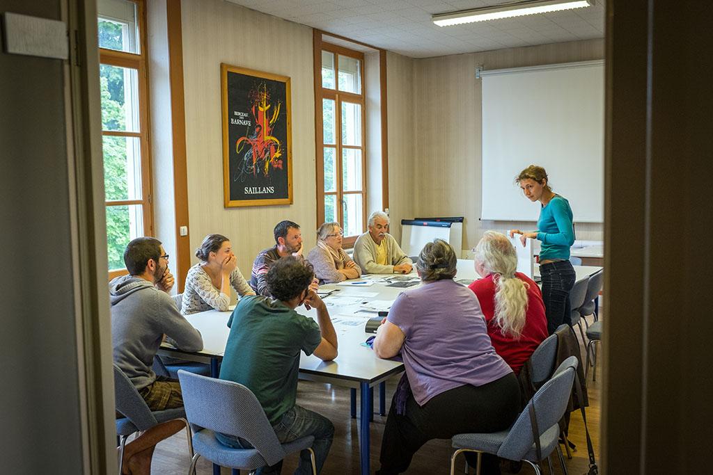 Lors d'une réunion du groupe action/projet sur la signalétique des berges de la Drôme. Tout habitant peut s'inscrire à ces groupes dont l'objectif est de faire des propositions claires et précises pour le conseil municipal.