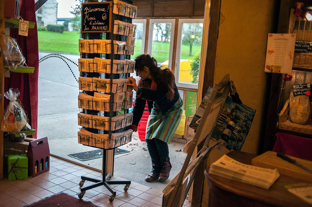 """Ouverture du """"Garde-manger"""", l'épicerie de la coopérative du Champ Commun."""