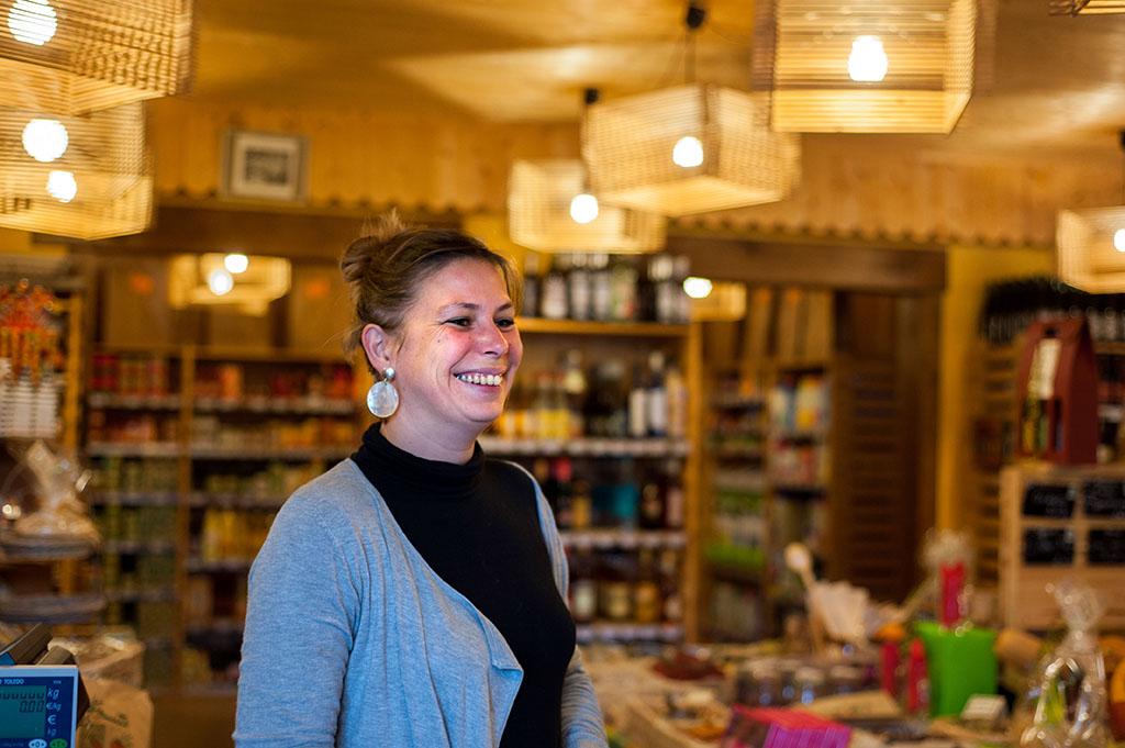 Céline fait partie des quelques 140 associés et clients de la coopérative.