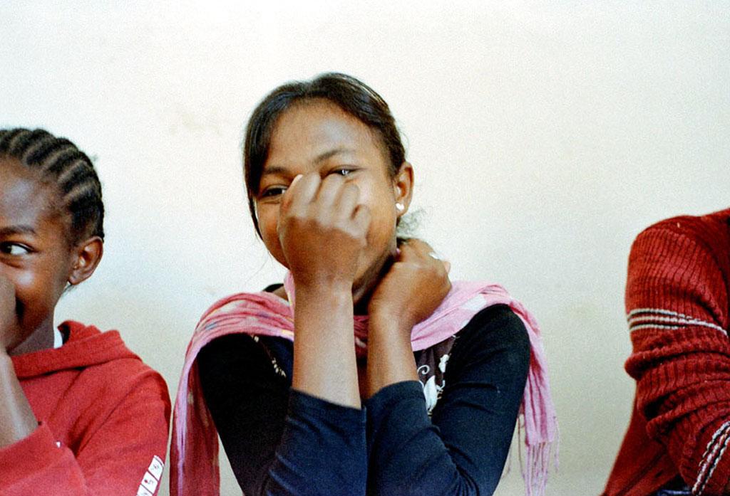 Durant une session d'éducation sexuelle et de discussions autour de la maternité.